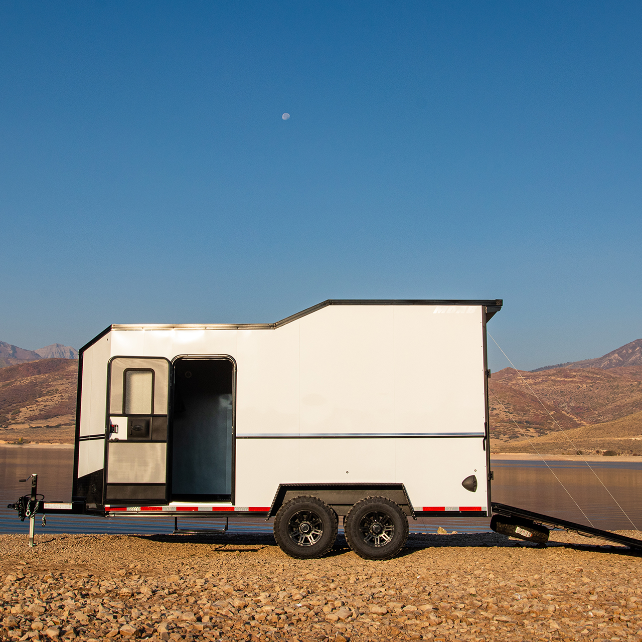Moab - Camping Trailer - Off grid - White - Mobile Camping - Cargo Trailer - LOOK Trailers